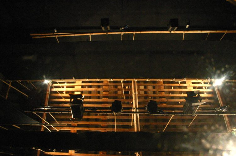 interno-teatro-anghiari-luci-scenografie-teatro-28