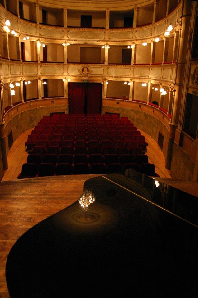 interno-teatro-anghiari-teatro-comunale-dei-ricomposti-11